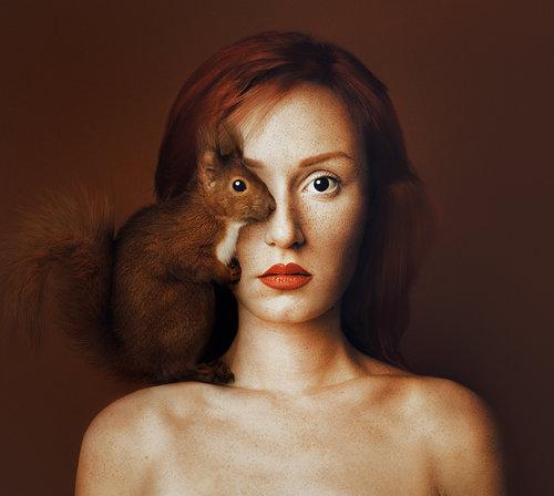 Animeyed (Self-Portraits) de Flora Borsi
